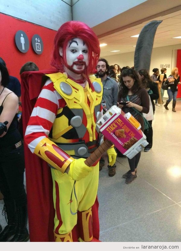 Superhéroe fast food, cosplay de Ronald McThornald